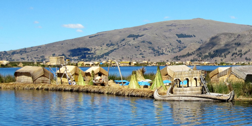 FT PERU Uros Floating Islands of Lake Titicaca 3W