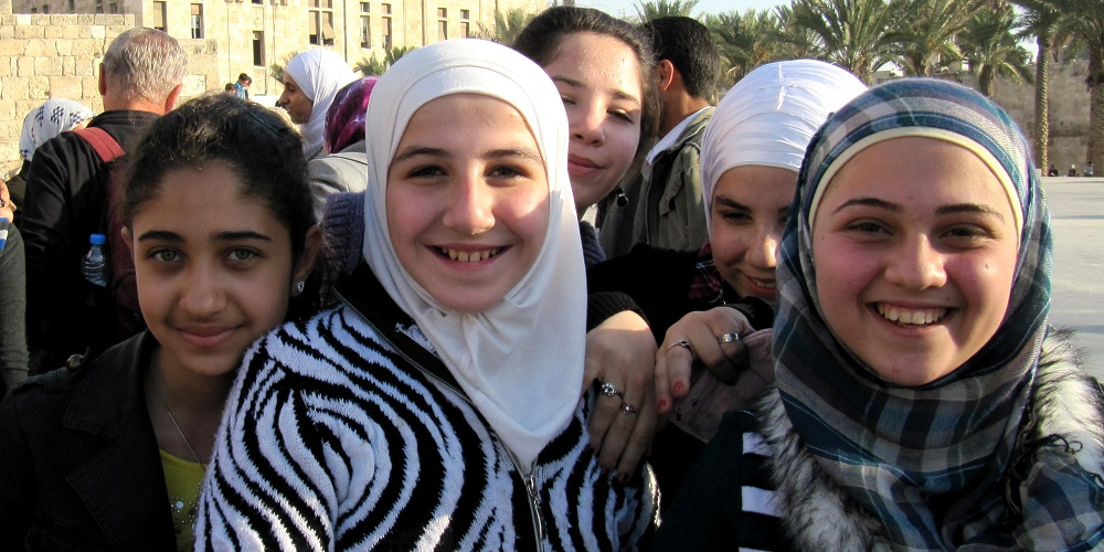 FT SYRIA Old Aleppo girls at Citadel 01W