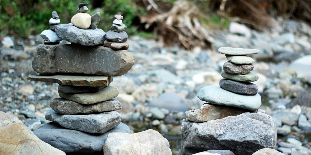 FT Rock pile river balance Pixabay