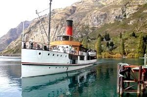 NEW ZEALAND TSS Earnslaw docking at Walter Peak Farm