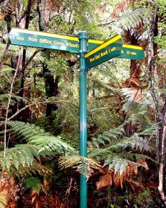 NEW ZEALAND Ulva Island trails signpost