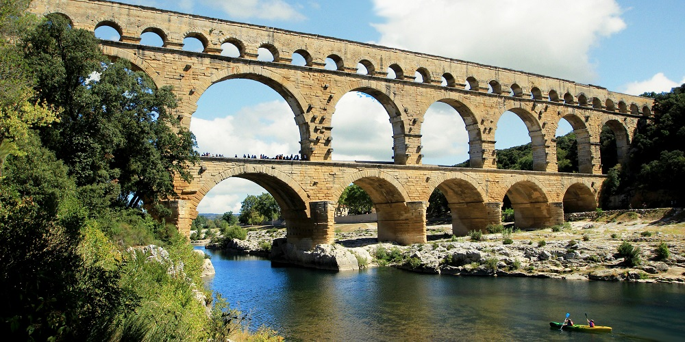 FT FRANCE Pont du Gard downriver Pixabay