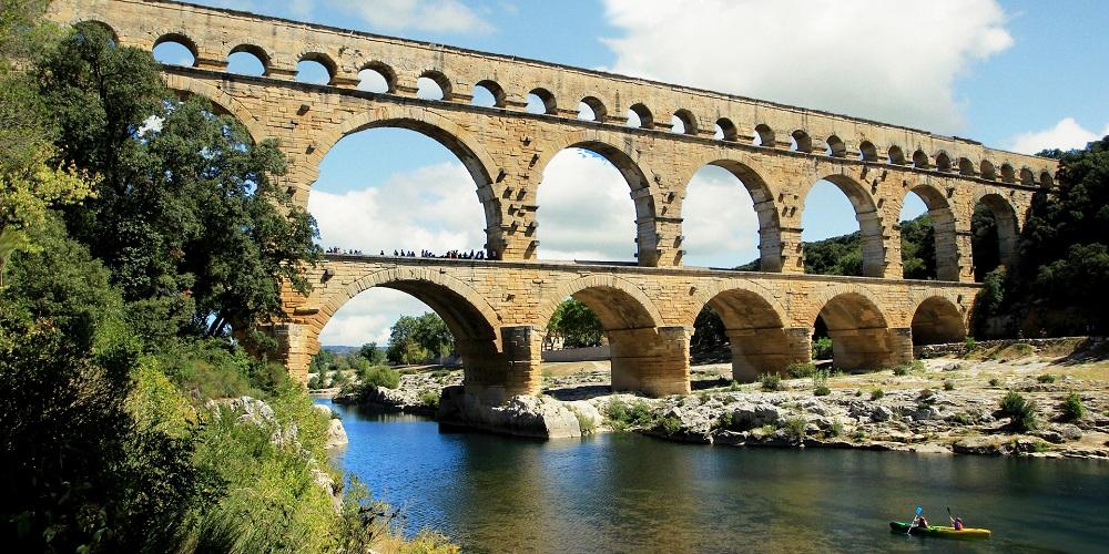 FT FRANCE Pont du Gard downriver Pixabay