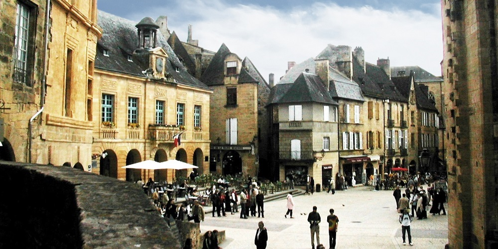 FT FRANCE Sarlat main square